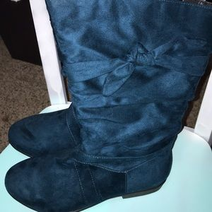 Size 10 wide blue boots